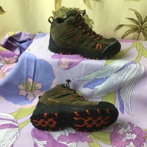 Columbia Toddler  Waterproof shoes size 13